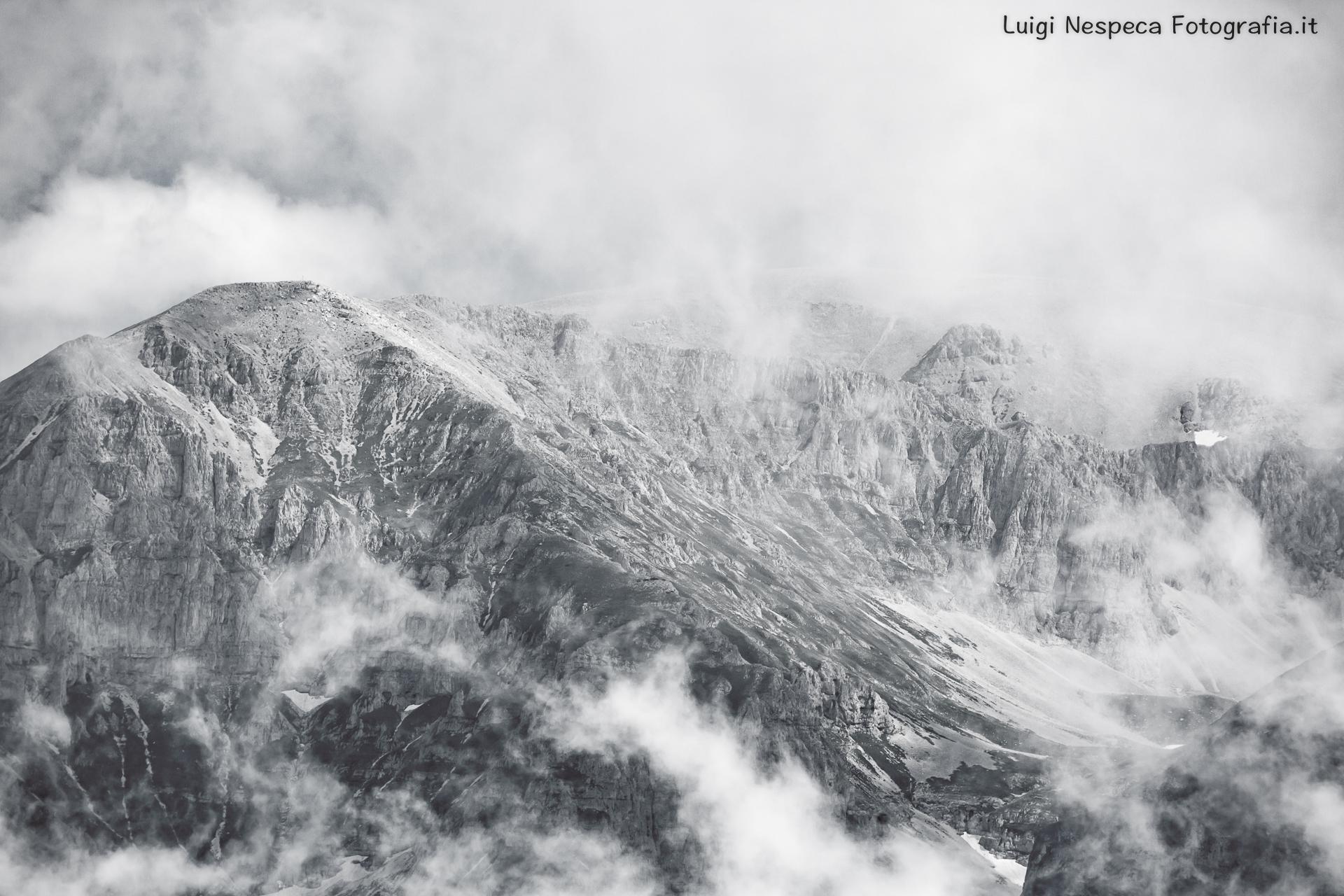 La Majella tra le nuvole di Luglio: Le Murelle