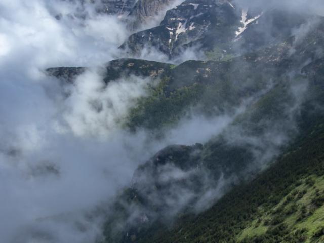 Majella: le Gobbe di Selva Romana tra le nuvole