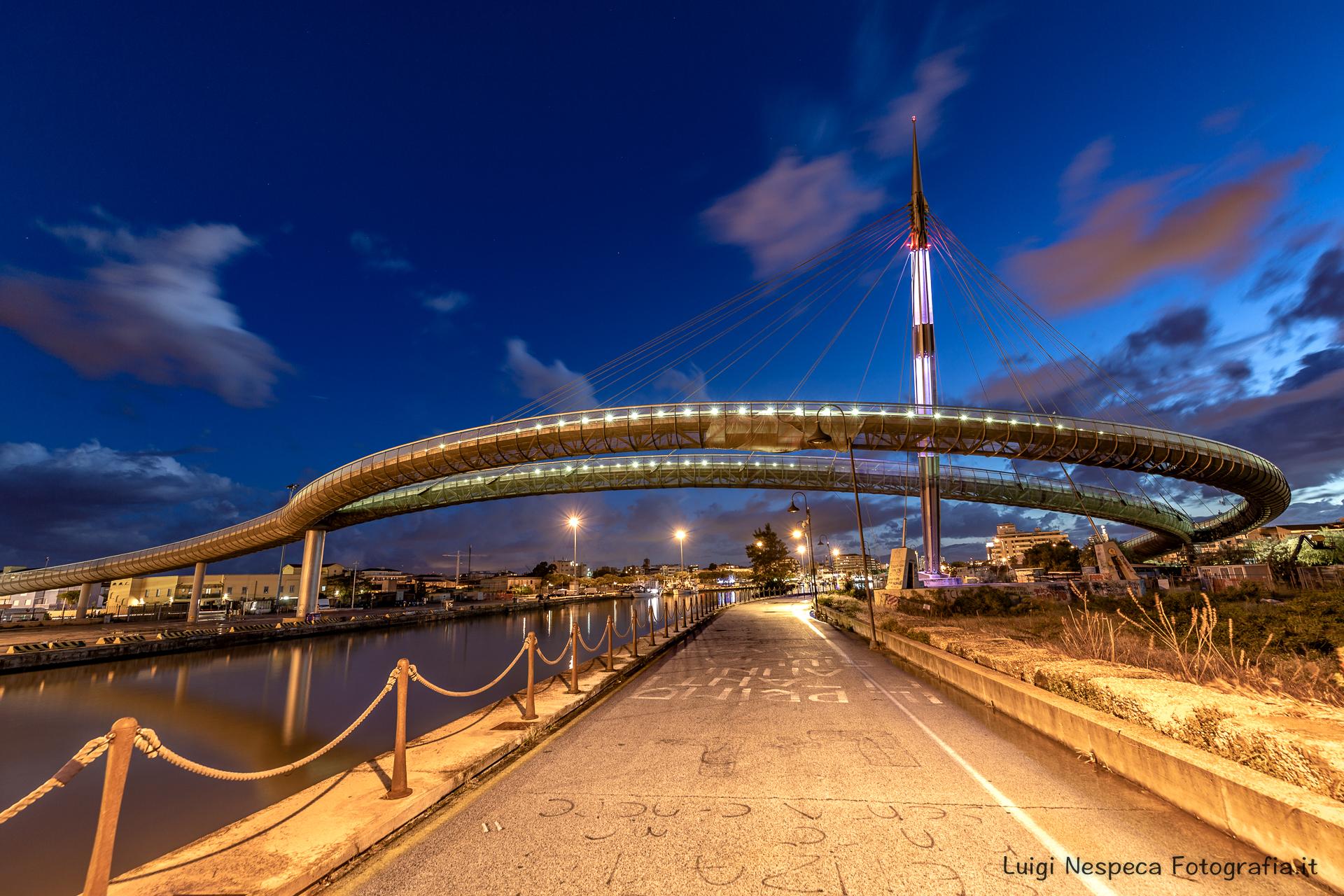 Pescara, Ponte del Mare - Prospettiva notturna
