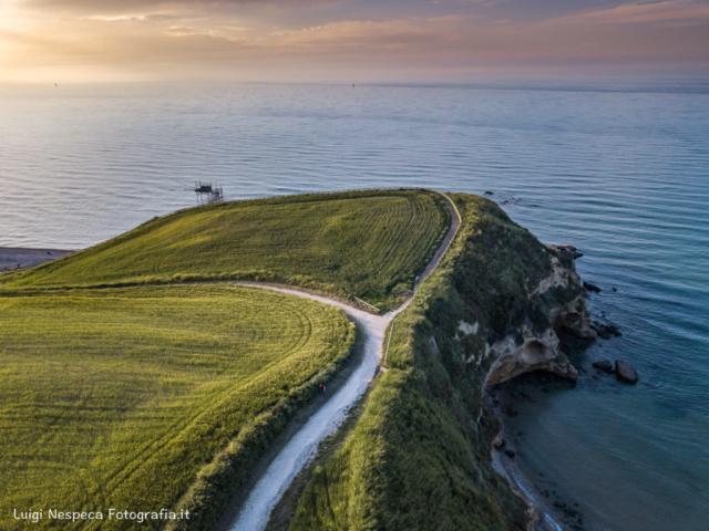 Costa dei Trabocchi : il Promontorio di Punta Aderci Punta Aderci - Vasto (CH)