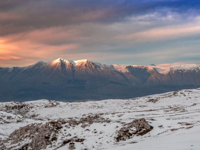 Monte Velino al tramonto da Campo Staffi (Monti Simbruini)