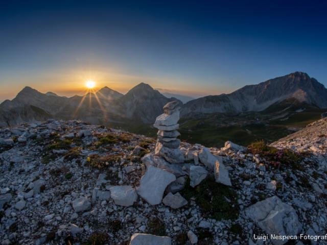 Gran Sasso: tramonto estivo dalla cresta del Monte Portella - Pizzo Cefalone, Pizzo d'Intermesoli, Corvo, Corno Grande