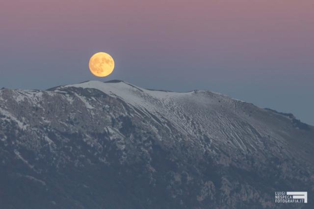 Alba Lunare sul Monte Capucciata -Rocca Calascio - Parco nazionale del Gran Sasso