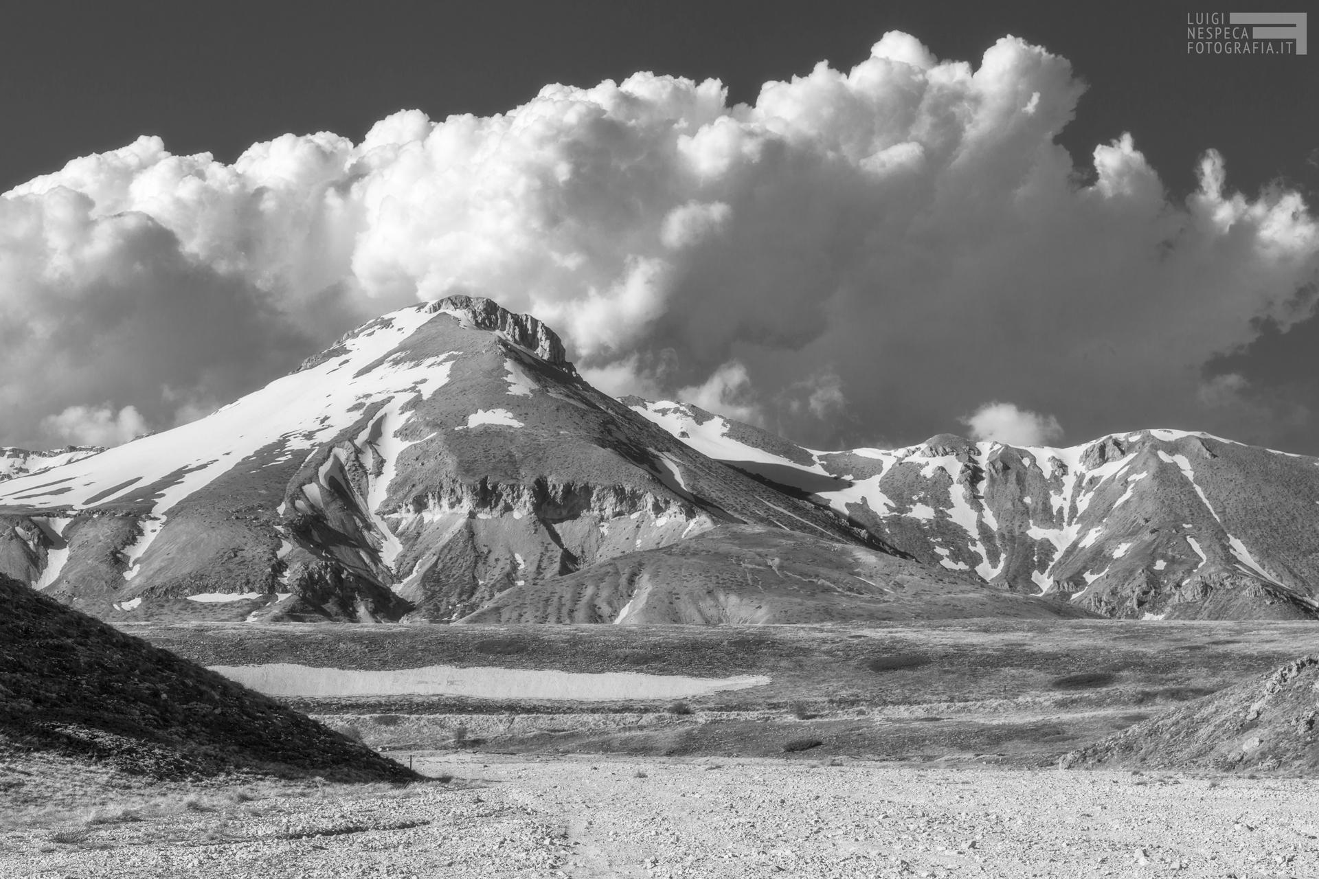 14 - Primavera: Il Monte Camicia - Canyon dello Scoppaturo - Campo Imperatore - Gran Sasso