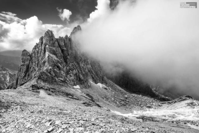 32 - Il Corno Piccolo e il Rifugio Franchetti - Gran Sasso