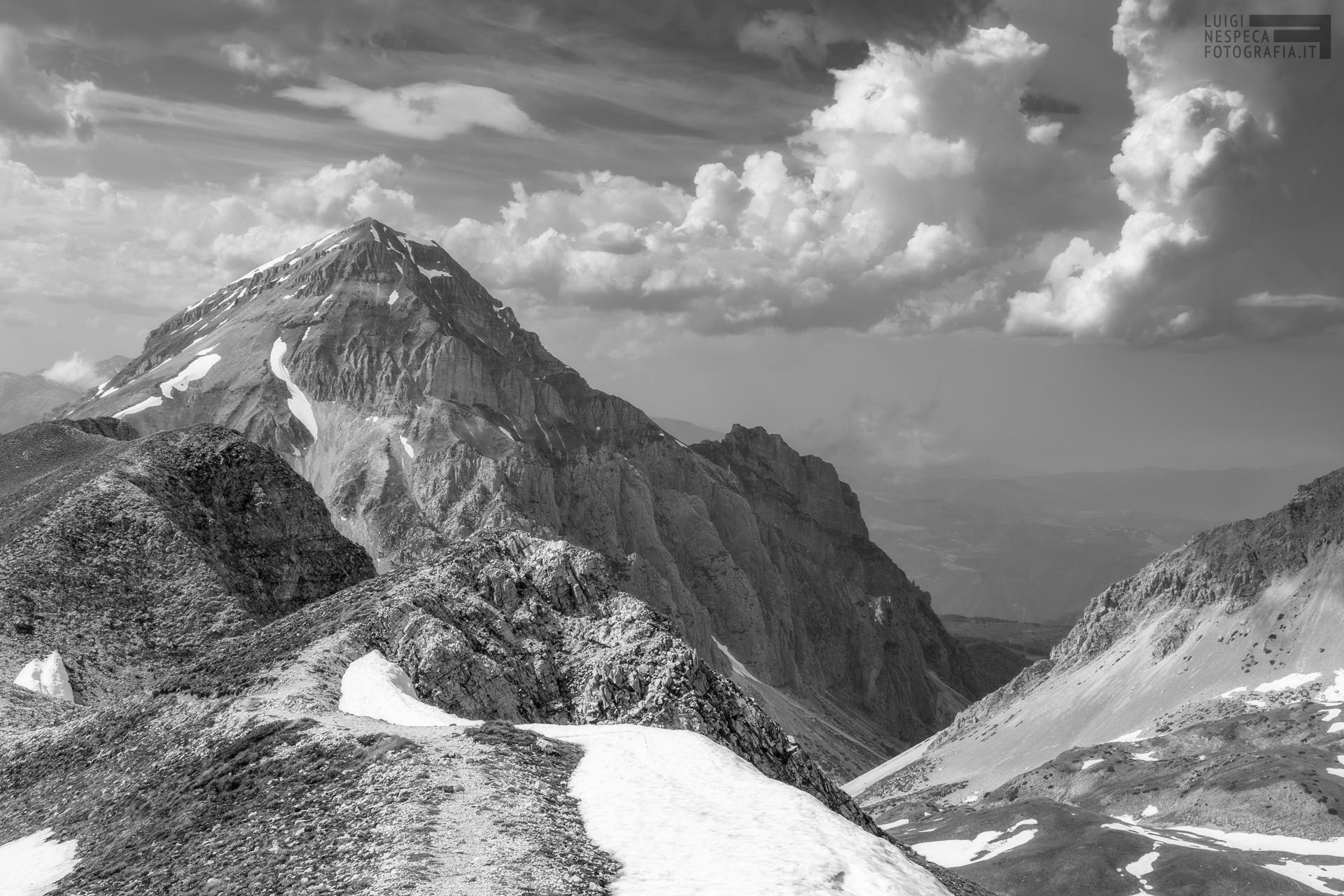26 - Tarda Primavera : Pizzo d'Intermesoli e cresta Ovest del Monte Portella