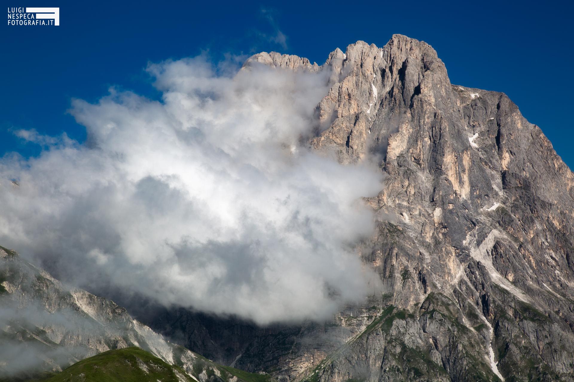 18 - Nuvole al Corno Grande - Un anno al Gran Sasso