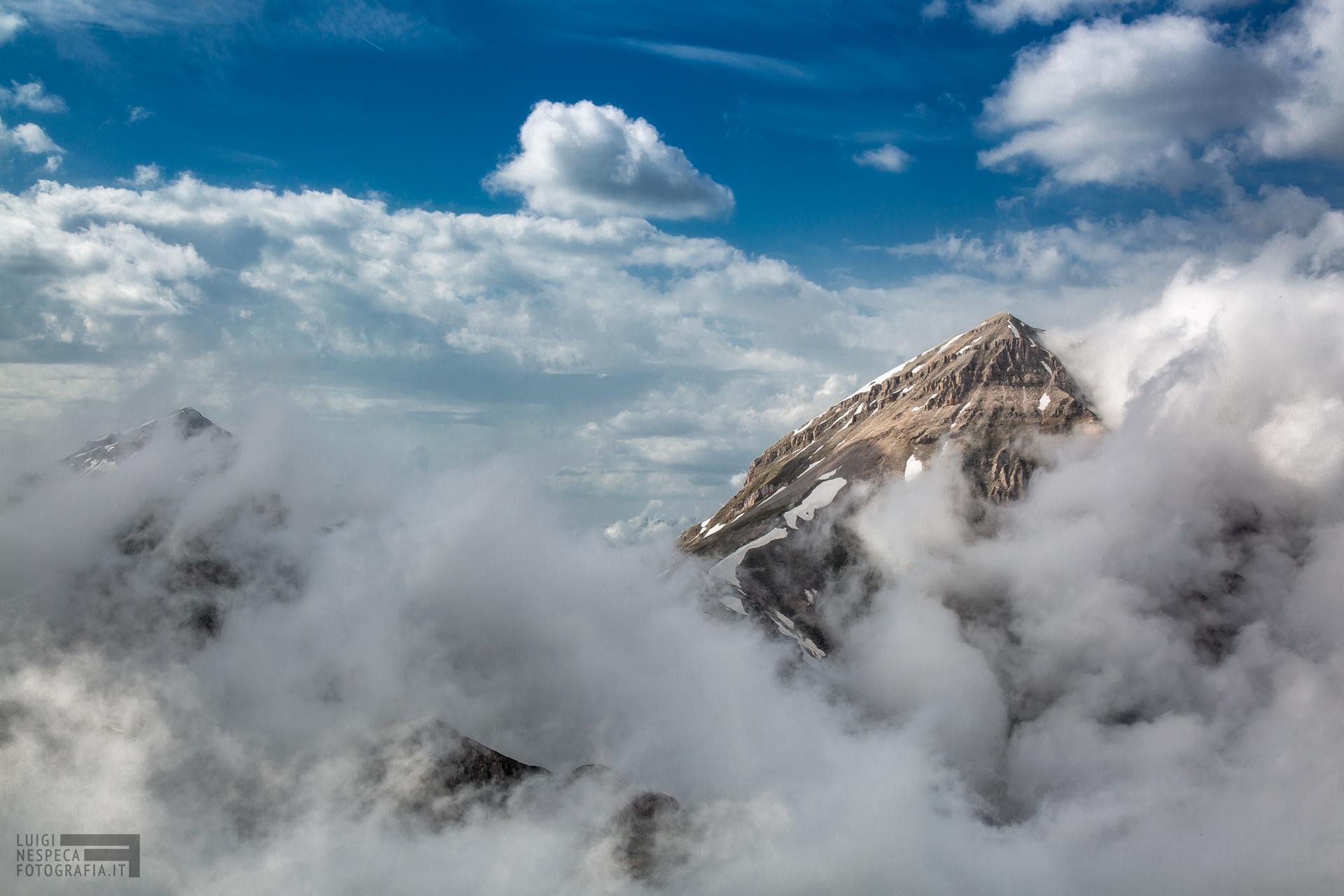 20 - Nuvole sul Pizzo d'Intermesoli - Un anno al Gran Sasso