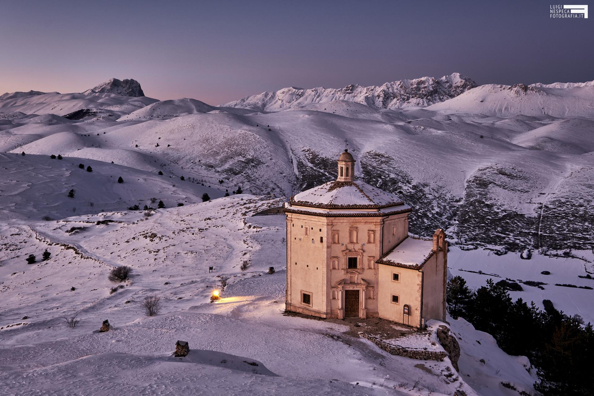 Tramonto a Rocca Calascio - Chiesa ottagonale di Santa Maria della Pietà