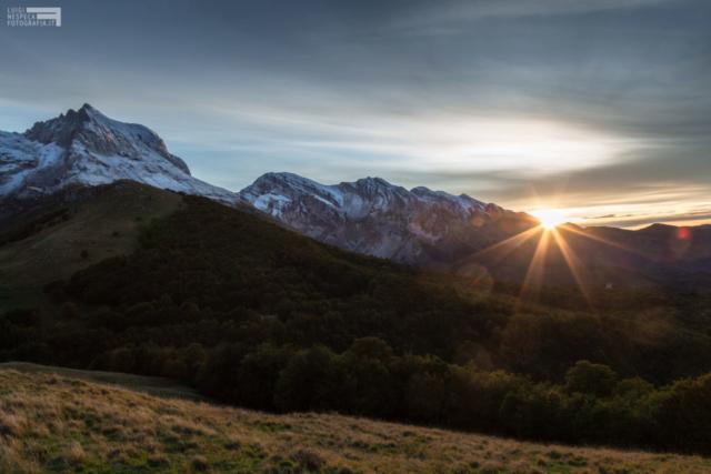 La prima neve - tramonto sul Corno Piccolo