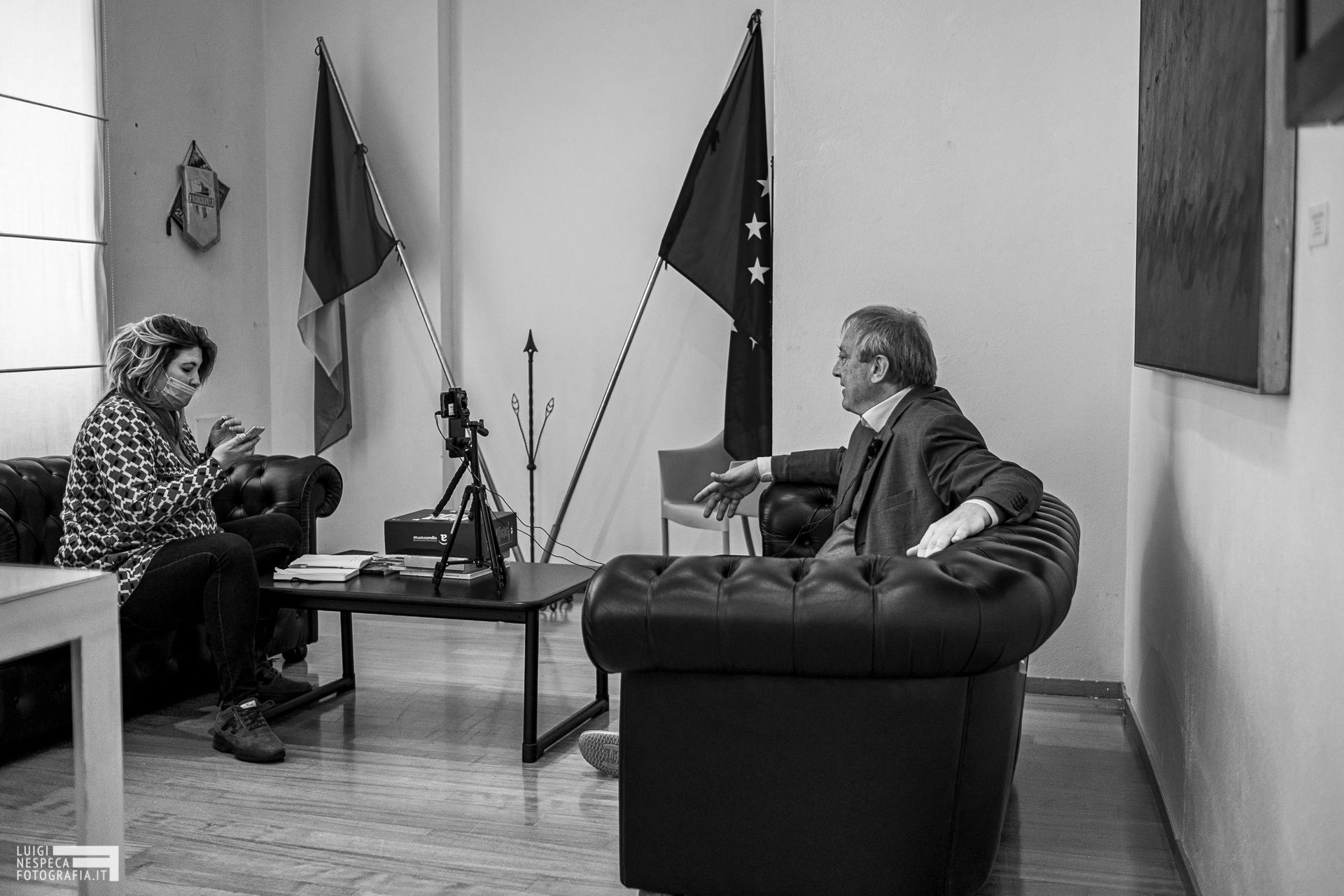 Francavilla al Mare - Paola Toro e Antonio Luciani durante una diretta in streaming