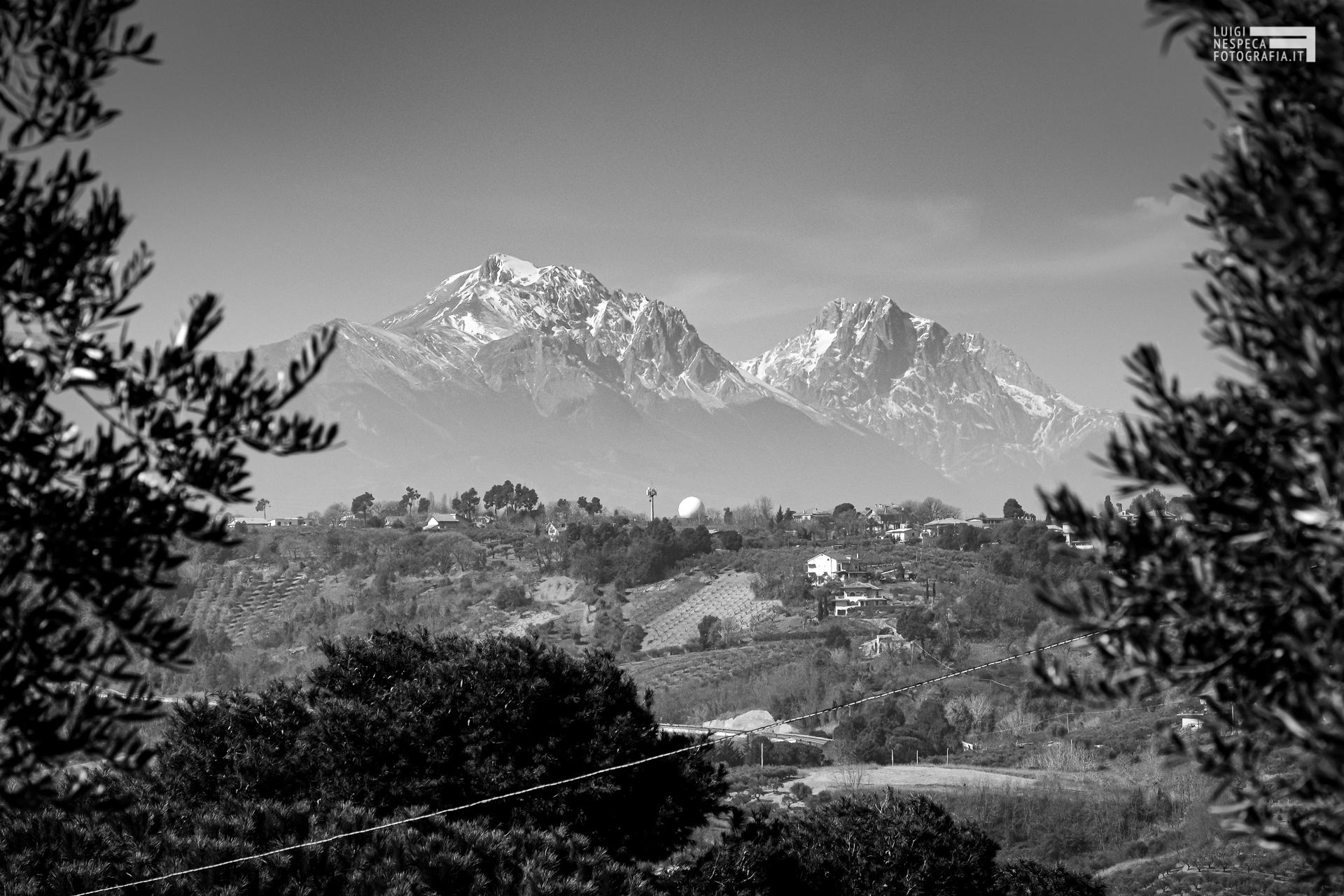 Le montagne viste dalla campagna di Francavilla al Mare: Il GRAN SASSO