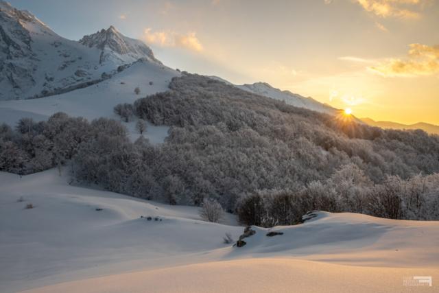 26 - Corno Piccolo e bosco dell'Aschiero al tramonto - Cima Alta - Marzo '21