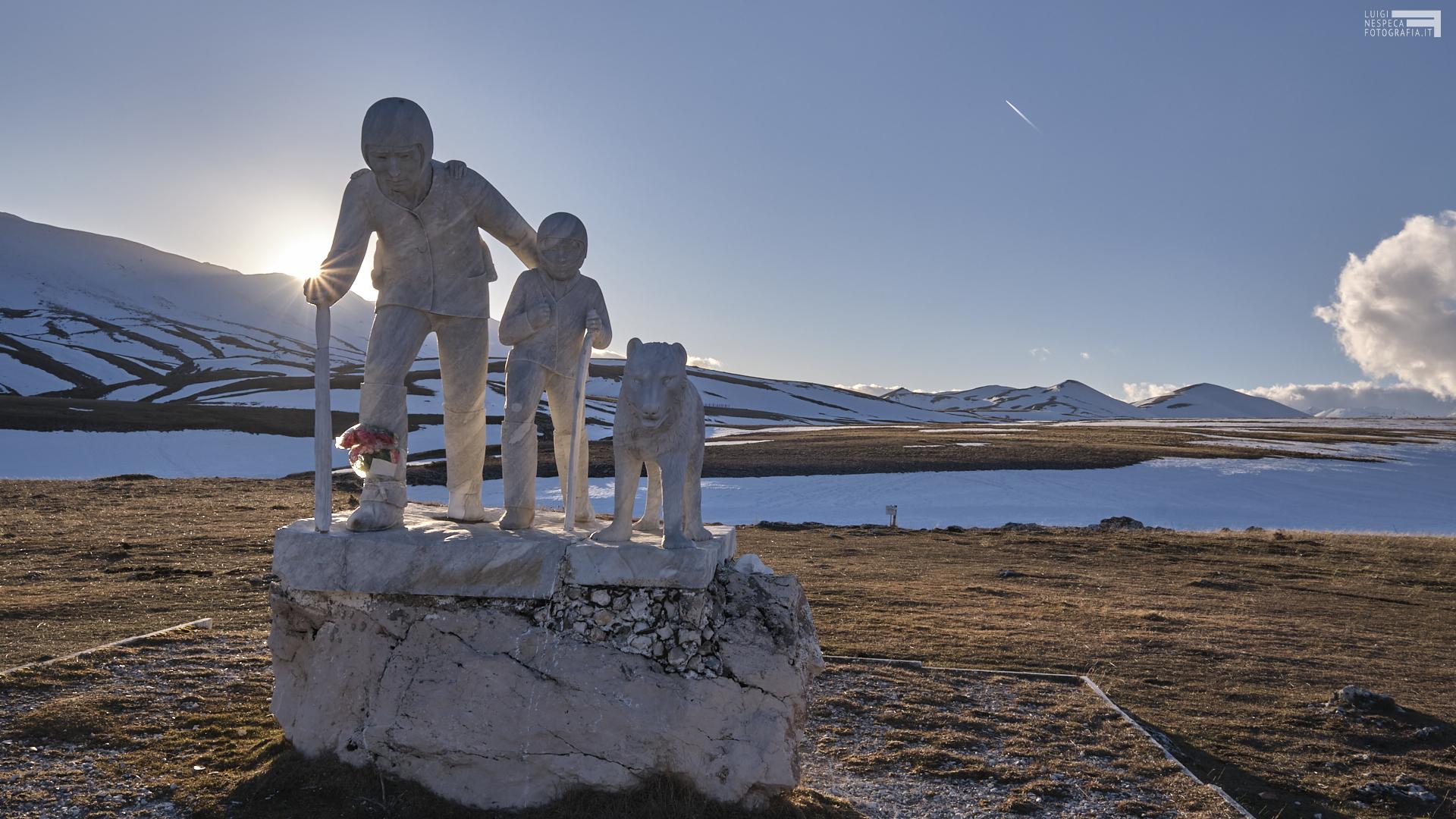 Febbraio 2021 - il monumento al Pastore Pupo Nunzio - Campo Imperatore - GRAN SASSO